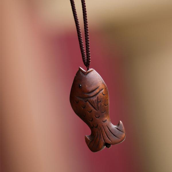 Easy-matching Hand Engraving Fish Wood Cheap Necklace For Woman