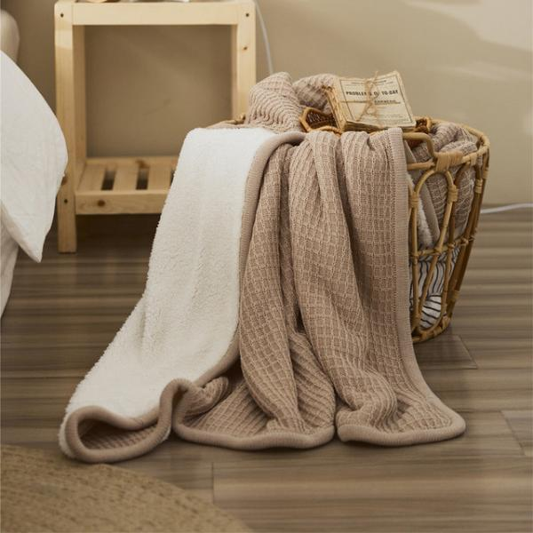 Solid Color Lamb Wool Throws Fleeced Soft Blanket